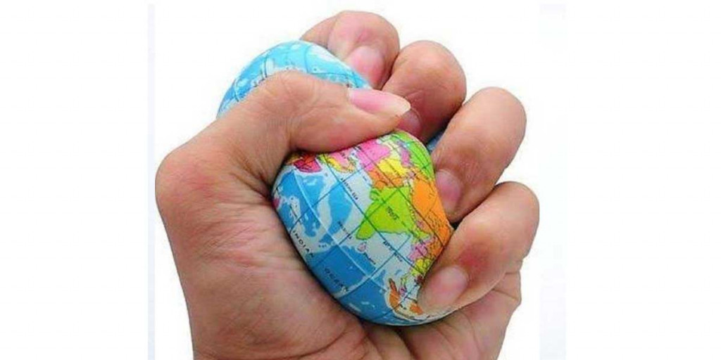 holiday-gift-ideas-world-globe-stress-ball