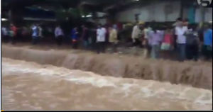 Monsoon flood at train station in Mumbai